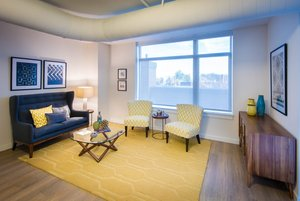Room - Acadia at Metropolitan Park Hotel Arlington