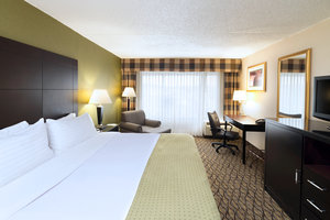 Room - Holiday Inn Totowa