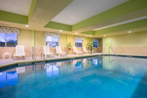 Pool - Holiday Inn Express Hotel & Suites Quakertown