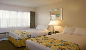 Room - Beach Place Hotel Miami Beach