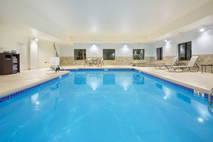Pool - Holiday Inn Express Hotel & Suites Concordia