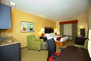 Room - Holiday Inn Express Hotel & Suites Acworth