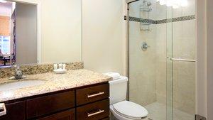 Room - Staybridge Suites New Orleans