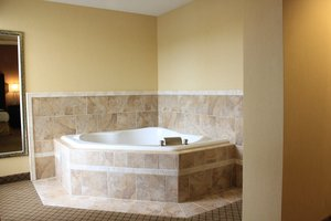 Suite - Holiday Inn Express New Columbia