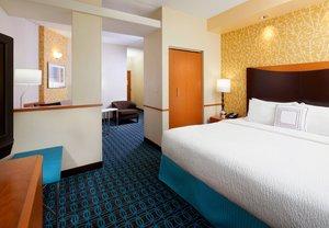 Room - Fairfield Inn & Suites by Marriott Cumberland
