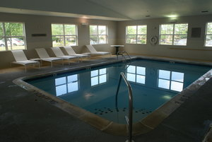 Pool - Country Inn & Suites by Radisson Lansing