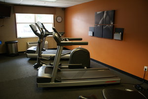 Fitness/ Exercise Room - Country Inn & Suites by Radisson Lansing