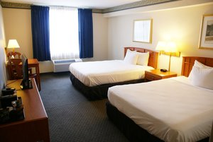 Room - Country Inn & Suites by Radisson Lansing