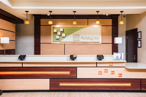 Lobby - Holiday Inn Hasbrouck Heights