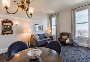 Room - Marriott Vacation Club Custom House Hotel Boston