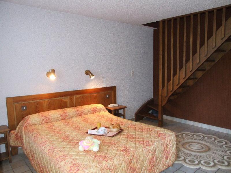 roomBalcony