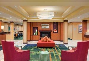Lobby - Fairfield Inn & Suites by Marriott Huntingdon