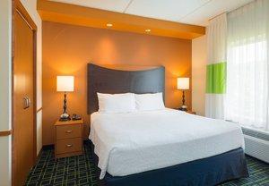 Room - Fairfield Inn & Suites by Marriott Huntingdon