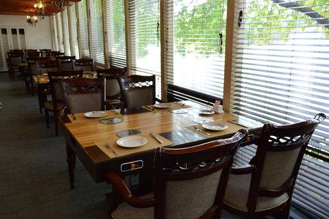 restaurant