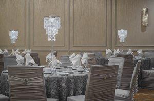 Ballroom - Holiday Inn South Winnipeg
