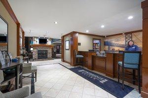 Lobby - Staybridge Suites Glen Mills