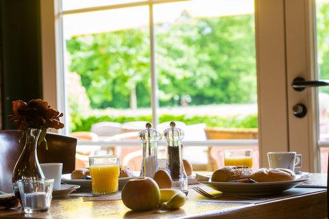 breakfastRoom