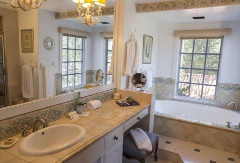 Elderberry Bathroom