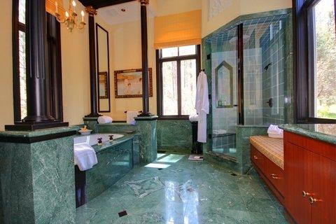 Villa Sureau Bathroom