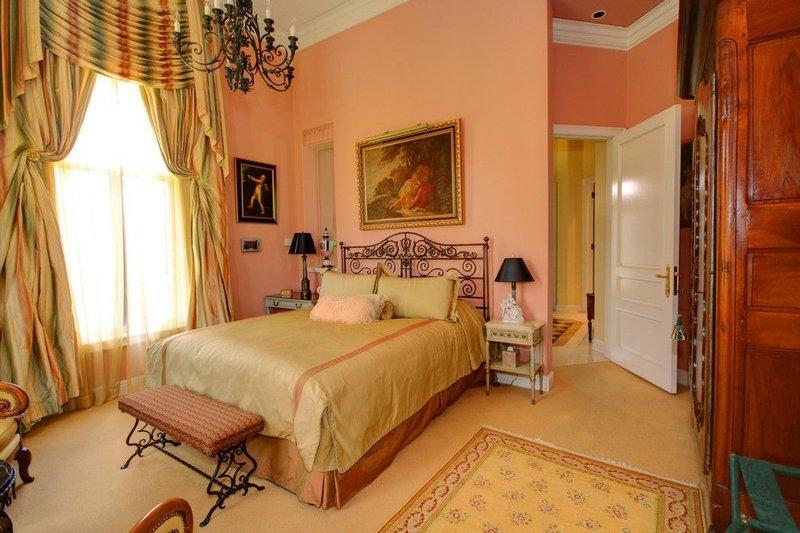 Villa Sureau Bedroom