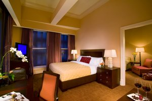 Suite - Royal Crescent Hotel New Orleans