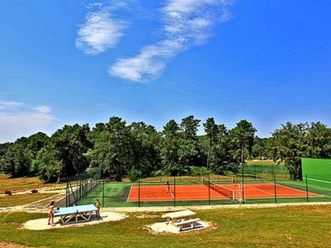 tennisCourt