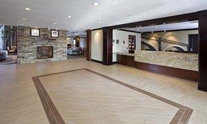 Lobby - Staybridge Suites North Wales