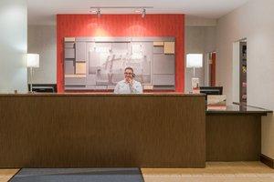 Lobby - Holiday Inn Express Hotel & Suites Mt Laurel