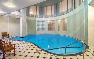 Pool - Holiday Inn Tower & Suites Downtown Vancouver
