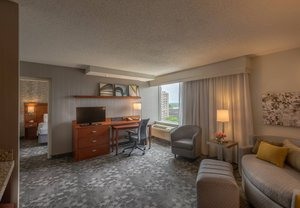 Room - Courtyard by Marriott Hotel Chevy Chase