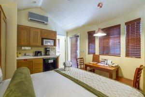 Room - RiverPointe Napa Valley Resort