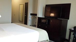 Room - Holiday Inn Express Hotel & Suites Northwest Emporia