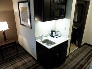 Suite - Holiday Inn Express Hotel & Suites Northwest Emporia