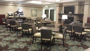 Restaurant - Holiday Inn Express Hotel & Suites Northwest Emporia