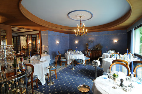 The Blue Salon And Gourmet Room