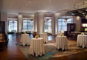 Restaurant - Marriott at Lakeway Hotel Metairie