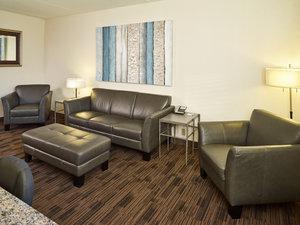 Suite - LivInn Hotel Maplewood