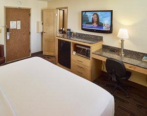 - LivInn Hotel Maplewood