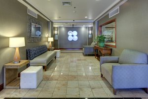 Lobby - Holiday Inn Express Hotel & Suites Emporia