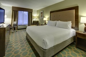 Room - Holiday Inn Express Hotel & Suites Emporia