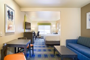 Suite - Holiday Inn Express Hotel & Suites Brookings
