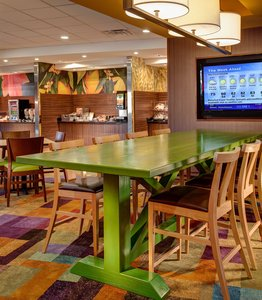 Restaurant - Fairfield Inn & Suites by Marriott Woodstock