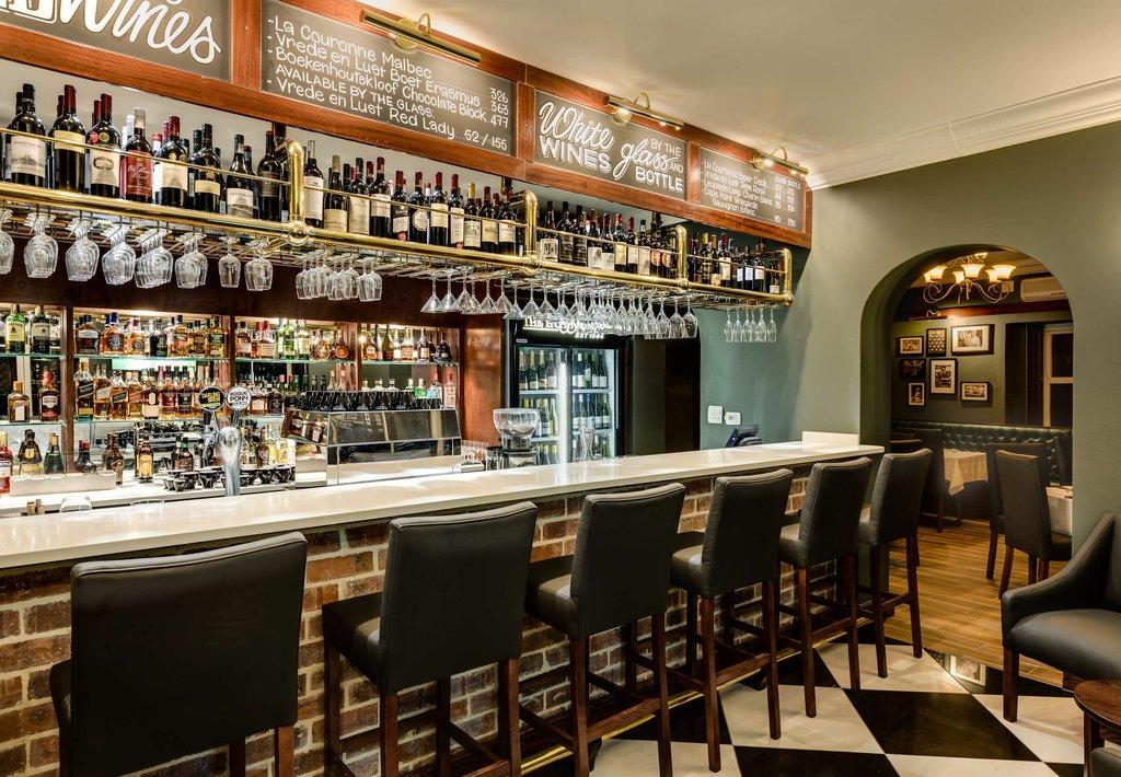Hussar Grill & Bar - Bar
