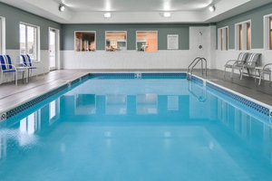 Pool - Holiday Inn Express Hotel & Suites Clinton