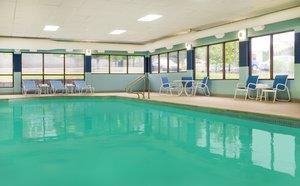 Pool - Four Points by Sheraton Hotel Scranton