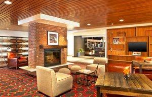 Lobby - Four Points by Sheraton Hotel Scranton