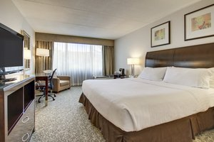 Room - Holiday Inn Westbury Carle Place