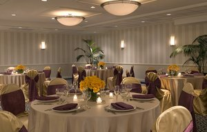 Ballroom - Four Points by Sheraton Hotel Wakefield
