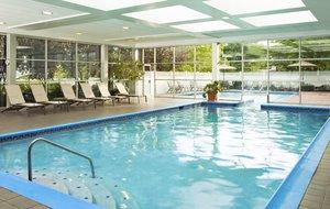 Pool - Sheraton Hotel Eatontown