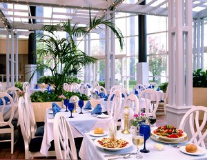 Restaurant - Sheraton Hotel Eatontown